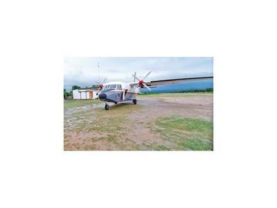 Avión  militar   quedó varado en Bahía Negra por averías