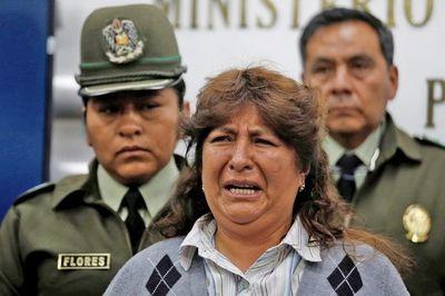 """En Argentina detienen a una mujer acusada de """"financiar"""" actos de Evo Morales"""
