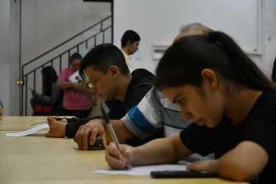 Habilitan formularios para postulación a becas de la Gobernación de Boquerón