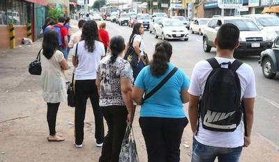 HOY / Buses: usuarios denuncian  regulada, empresarios dicen  que no y el MOPC calla
