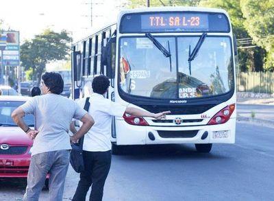 César Ruíz Díaz niega regulada de buses