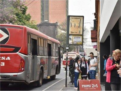 Empresarios del transporte admiten que hay menos buses