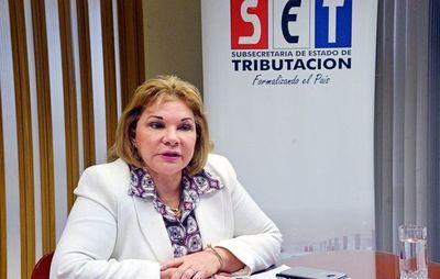 González admite que firmó dictamen que la benefició