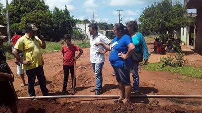 Cambio de cañerías en el asentamiento Santa Teresa del barrio Obrero