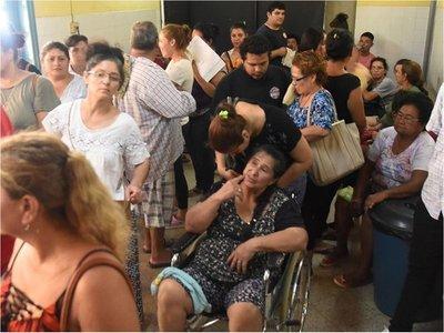 Dengue: Calle'i en colapso y en San Pablo ya suspenden cirugías