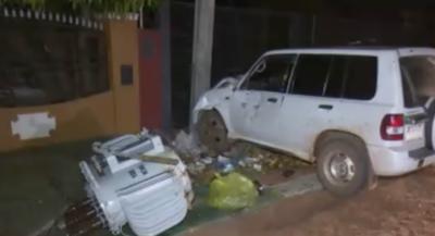 HOY / Chocó contra una columna y dejó sin luz a todo el vecindario