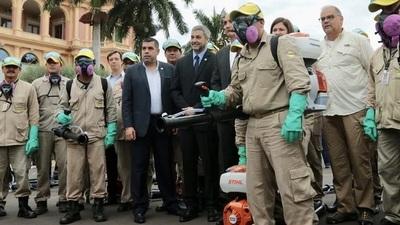 Lucha contra el dengue: Presidente agradece esfuerzo del personal de blanco