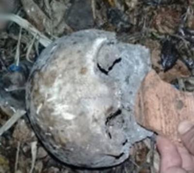 Hallan cráneo dentro de un tambor en cauces de un río en Carapeguá