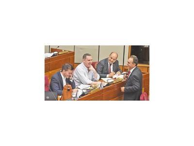 Comisión Permanente sesiona hoy y a fin de mes tratarían financiamiento