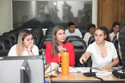 Rechazan chicana y Ledesma vuelve al juicio de Carlos León por tráfico de armas