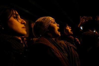 Irán arresta a sospechosos de «imperdonable» desastre aéreo y persiguen protestas