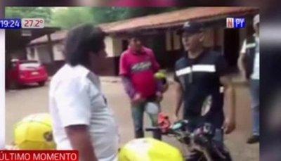 Kelembú es arrastrado y golpeado por agentes del PMT