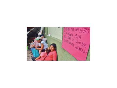 Familias reclaman por haber sido expulsadas de tierras del Estado