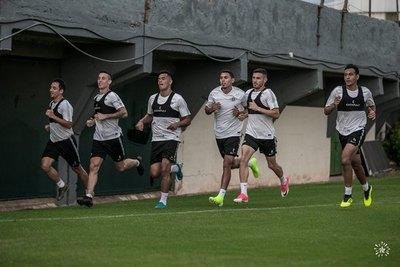 Bocanegra habló de un desafío en el fútbol paraguayo