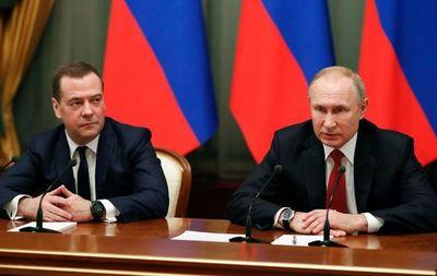 Renuncia el gobierno ruso para facilitar reformas constitucionales propuestas por Putin