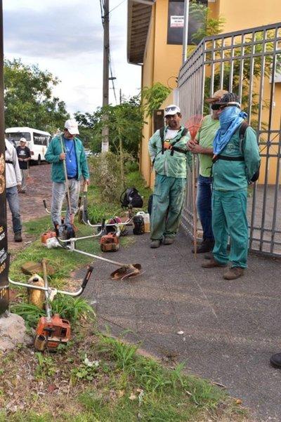 Instituciones del Gobierno apoya combate a criaderos de mosquitos en Lambaré