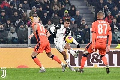 Juventus, Fiorentina y Milan avanzan a 'cuartos' de la Copa de Italia