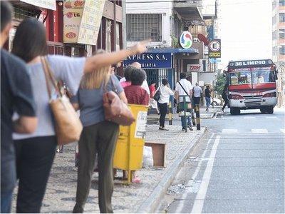 Viceministerio multa a 20 empresas de transporte por  incumplir  la frecuencia