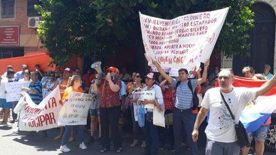Estafados de Mocipar piden renuncia de Durand