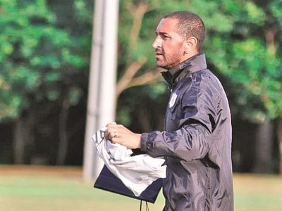 Órteman analiza el debut ante Guaraní