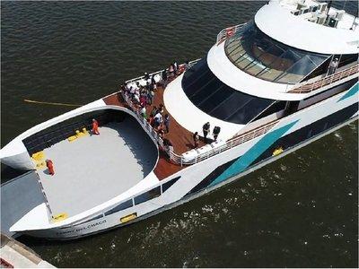 Ferry del Chaco suspende sus viajes por problema con el timón