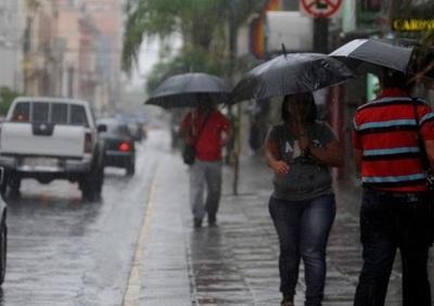 Meteorología emite alerta por tormenta para cinco departamentos