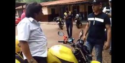 Funcionarios municipales que golpearon a Kelembu serán sumariados
