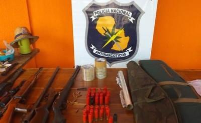 Incautan armas y municiones durante allanamiento