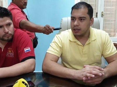 Suspenden por tres días al funcionario que se agarró con Kelembu