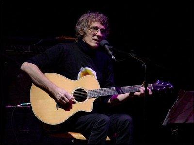 Familia de Spinetta publica disco que el músico dejó a medias antes de morir
