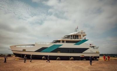 HOY / El Ferry retoma sus viajes tras inconvenientes en su estructura