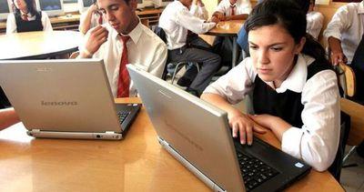 Incorporar TIC a educación es prioritario, según la ley