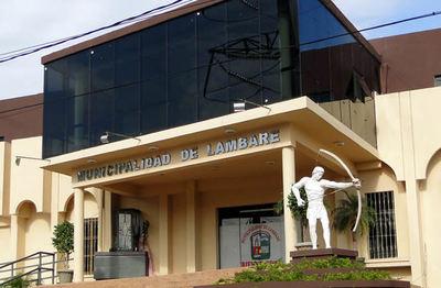 """Denuncian """"repartija"""" de cargos en la Municipalidad de Lambaré."""