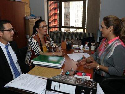 Ex directora de la Municipalidad de Asunción dice que teme por su vida