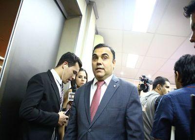 Díaz Verón consiguió permiso para ir a su trabajo