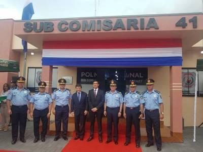 Inauguran mejoras en subcomisaría de Santa Rita y entregan nueva patrullera
