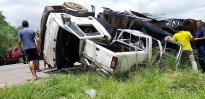 Camión de la Policía se quedó sin frenos y produjo grave accidente •
