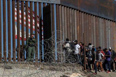 Migrantes hondureños se acercan a México con la esperanza de llegar a EEUU