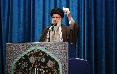 """Jamenei pide unidad nacional y firmeza frente a los """"enemigos"""" de Irán"""