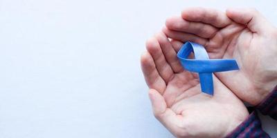 Noviembre azul: Instan a hombres a dejar atrás los prejuicios y realizarse exámenes de próstata para detección temprana del cáncer