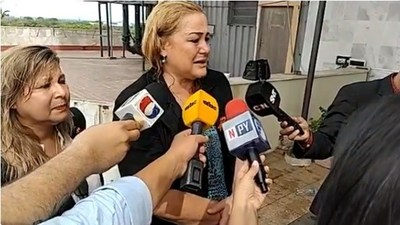 Líder de comisión escrache es escrachada por escrachadores