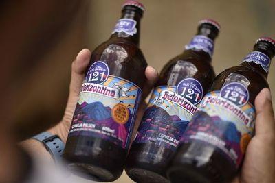 Prohíben venta en todo Brasil de cervezas a las que se atribuyen 4 muertes