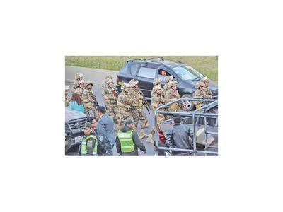 Bolivia saca militares a las calles ante posible protesta