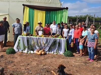 Pequeños productores de Cordillera reciben apoyo a través de la EBY