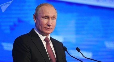 Putin anuncia un archivo para «tapar las sucias bocas» de los que intenta reescribir la historia