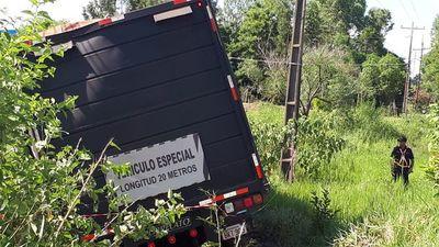 Una joven pierde la vida en un choque en Coronel Oviedo
