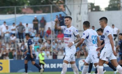 HOY / Con solidez y el respaldo del VAR, Nacional vence a Guaireña