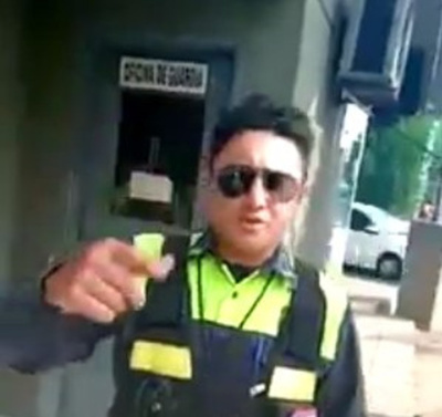 "(VIDEO) ""ZORRO"" OJEPILLAMI: Le multó al que le foteó ""pescando"""