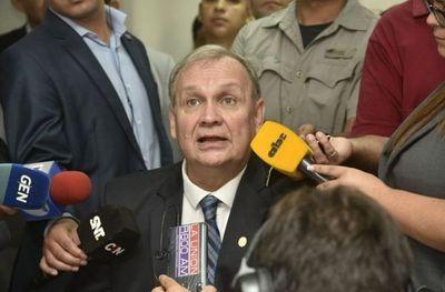 """Fiscala imputa a Ferreiro y él habla de """"estrategia pergeñada en altos niveles"""""""