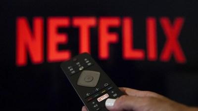 Así puedes pedirle a Netflix que sume una película o serie que no está en el portal